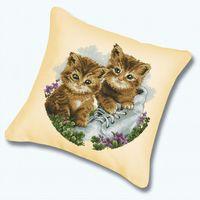 "Вышивка крестом ""Подушка. Котята"""