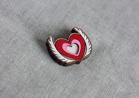 """Значок деревянный """"Крылатое сердце"""""""