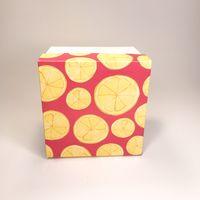 """Подарочная коробка """"Лимоны на розовом"""" (13х13x10 см)"""