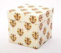 "Подарочная коробка ""Lilies"" (11х11х11 см; оранжевые элементы)"