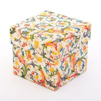 "Подарочная коробка ""Traditional"" (7,5х7,5х7,5 см; красные элементы)"