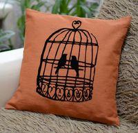 """Подушка """"Птички"""" (40x40 см; оранжевая)"""