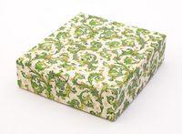 """Подарочная коробка """"Traditional"""" (13x15x4 см; зеленые элементы)"""