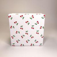 """Подарочная коробка """"Вишенки"""" (16x16x7,5 см)"""