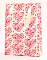 "Пакет бумажный подарочный ""Hearts and Butterflies"" (23,5х17х7 см; розовые элементы)"
