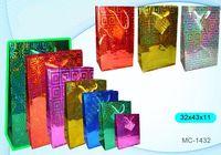 """Пакет бумажный подарочный """"Голография"""" (в ассортименте; 32x43x11 см; арт. МС-1432)"""