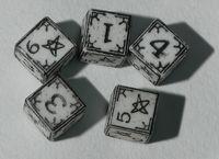 """Набор кубиков """"Ужас Аркхэма"""" (5 шт., белые)"""
