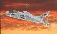 "Истребитель ""F-8 E Crusader"" (масштаб: 1/72)"