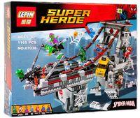 """Конструктор Super Heroe """"Дуэль воинов с сетями на мосту"""""""