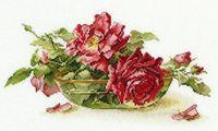 """Вышивка крестом """"Розы в пиале"""" (270х170 мм)"""