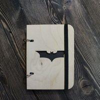 """Деревянный скетчбук """"Бэтмен"""" (А6)"""